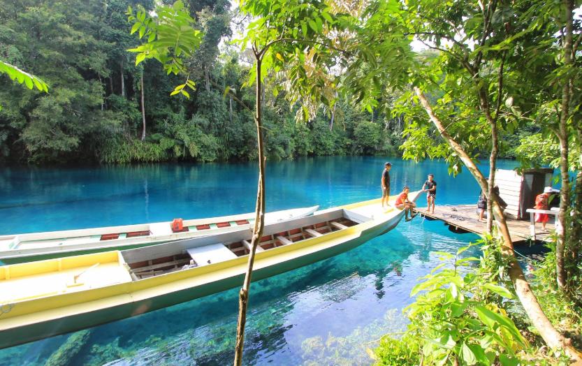 Daftar Danau Terindah Indonesia yang Layak Dikunjungi